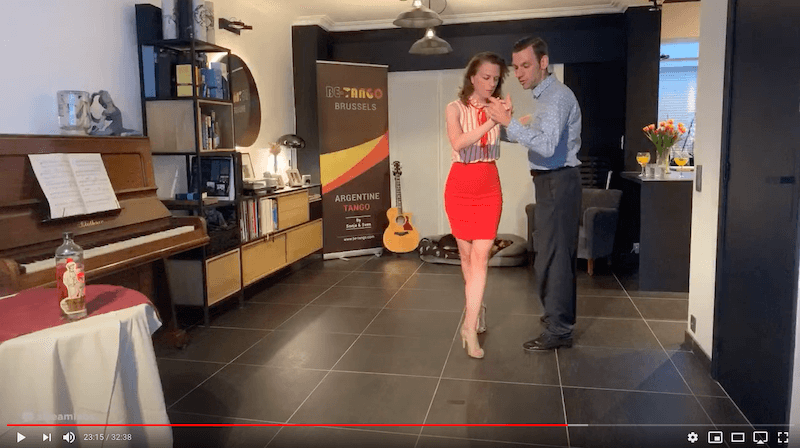 débutants de la classe de tango en ligne