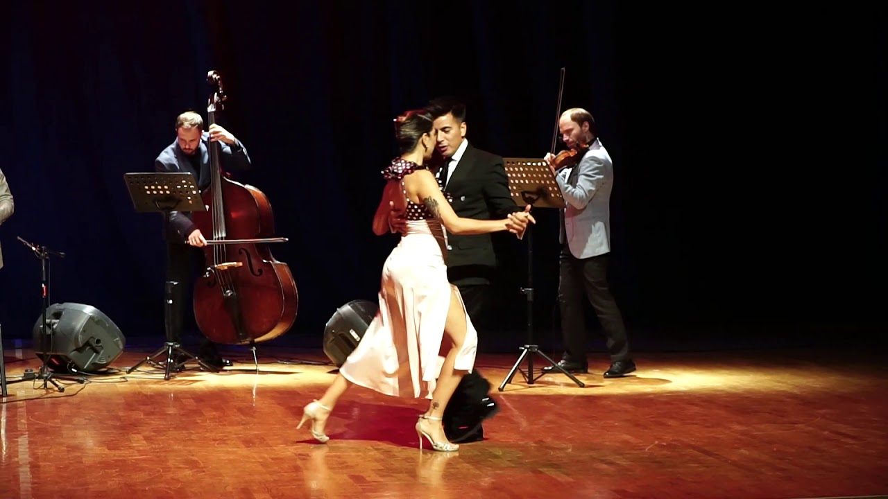 roxana suarez sebastian achacal tango show