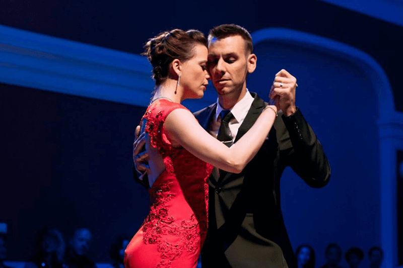 tango show during festival