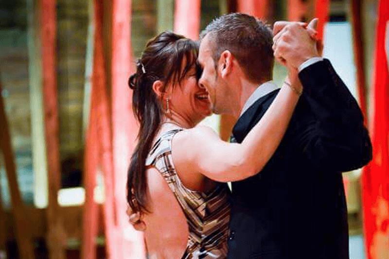 tango laten zien wenen